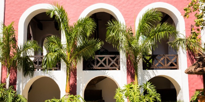 Hacienda Arches and Architectural Style