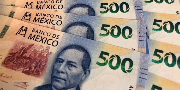 500 Peso Banknote featuring Benito Juarez
