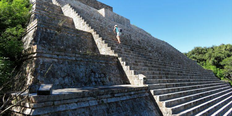 Climbing Pyramids in Mexico