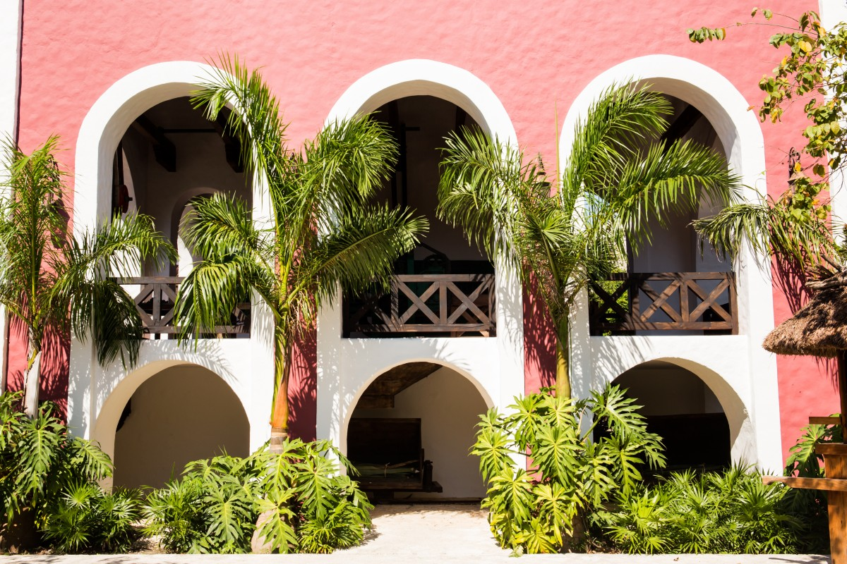 Hacienda style living in mexico mexperience for Mexican style architecture