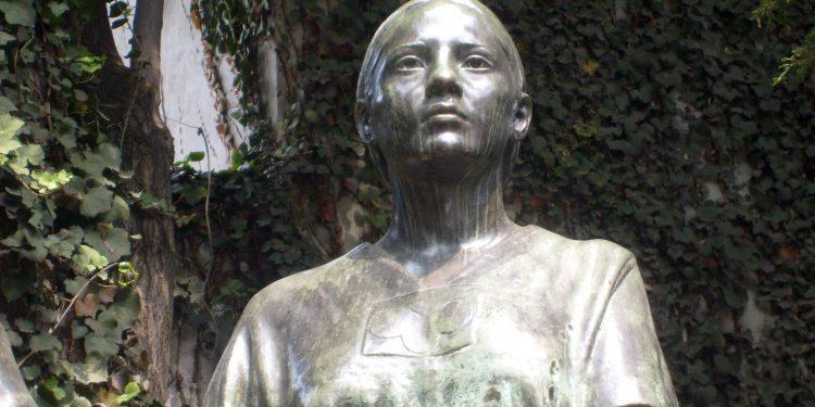 La Malinche Statue Mexico City