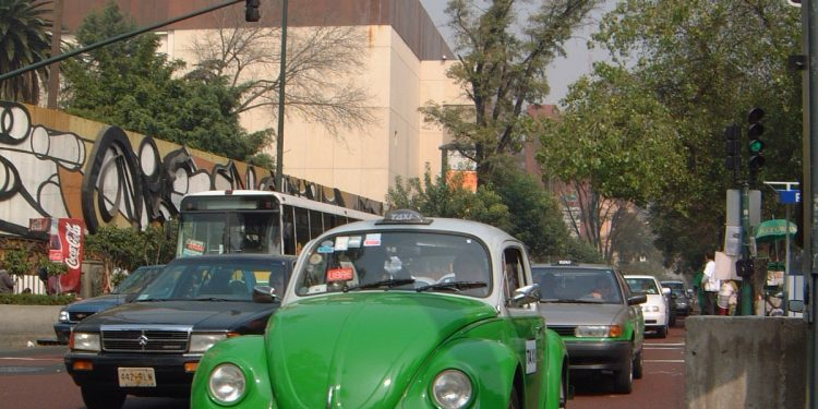 VW Beetle Taxi Green in Mexico City